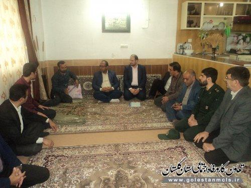 به مناسبت هفته کار و کارگر در علی آبادکتول برگزار شد: دیدار با خانواده شهدای کارگری و جانباز و کارگران حادثه دیده