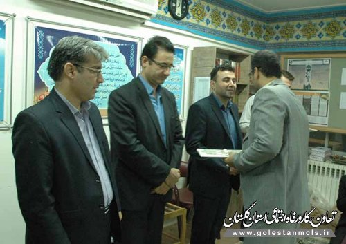 به مناسبت هفته دفاع مقدس انجام شد: تقدیر از ایثارگران اداره کل تعاون،کار و رفاه اجتماعی گلستان / گزارش تصویری