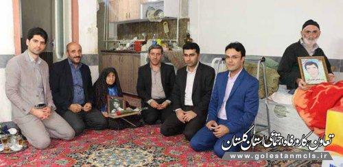مدیر صندوق کارآفرینی امید گلستان گفت : دیدار با خانواده معظم شهدا ترویج فرهنگ ایثار و شهادت در جامعه است.
