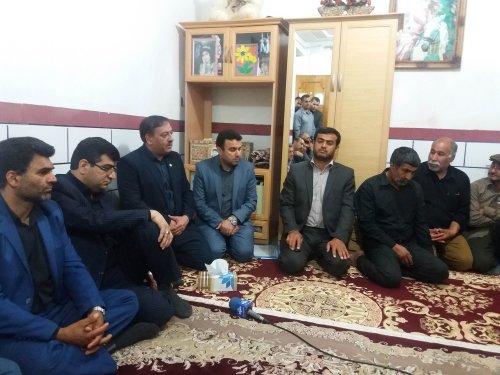 مسوول روابط عمومی اداره کل تعاون کار گلستان گزارش داد: دلجویی و سرکشی از خانواده های داغدار معدنچیان آزادشهر+تصویر