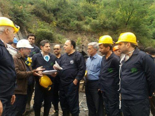 مدیرکل تعاون، کار و رفاه اجتماعی گلستان خبر داد: تیم حقیقت یاب حادثه معدن آزادشهر در محل حادثه حضور یافت.