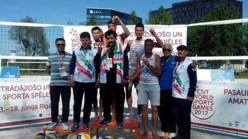 تیم «چشمه چینو» گلستان قهرمان والیبال ساحلی کارگران جهان شد.